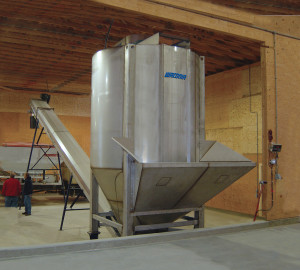 Waconia Tapered Auger Vertical Floor Blender
