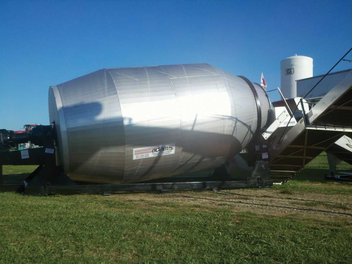 Fertilizer Blenders Keep Up With Growers