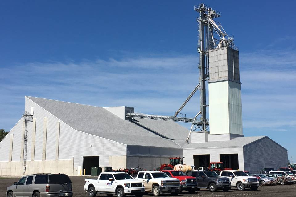 Marcus-Construction-built-the-22000-ton-shed-to-meet-the-storage-capabilities-for-Key-Cooperative-in-Grinnell-IA