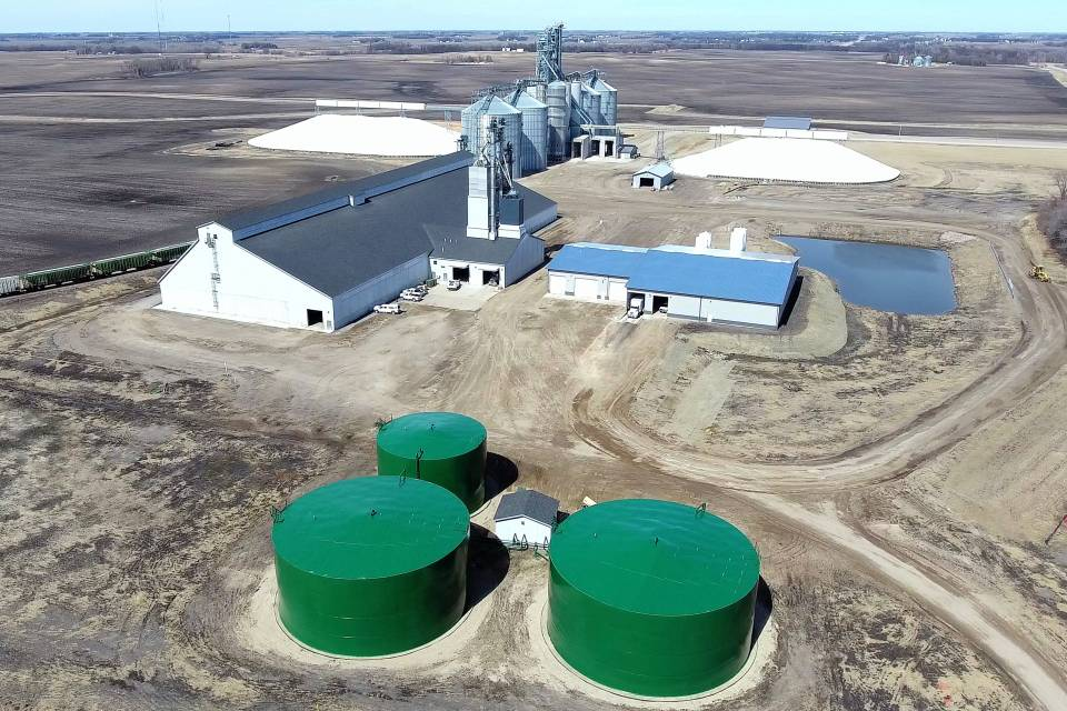 United Farmers Cooperative in Brownton, MN, partnered with SMA Design Build to construct a 52,800-ton fertilizer plant
