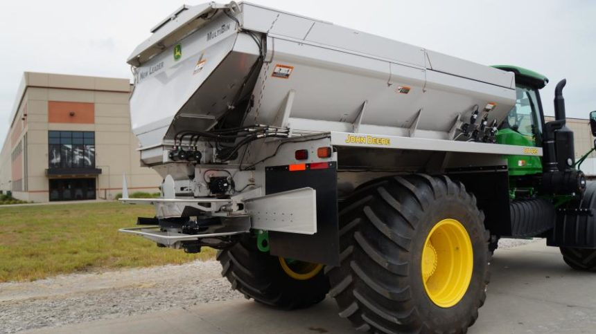 Deere Makes G5 Technology Available for F4365 High-Capacity Nutrient Applicators