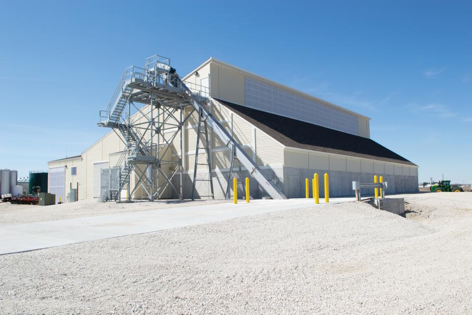 AGI Fertilizer Systems Provides High-Speed Fertilizer Loadout for Nutrien Ag Solutions
