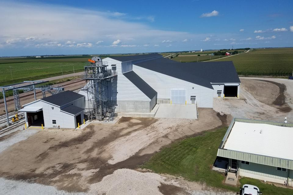 Stueve Construction Helps Two Ag Retailers Better Serve Customers