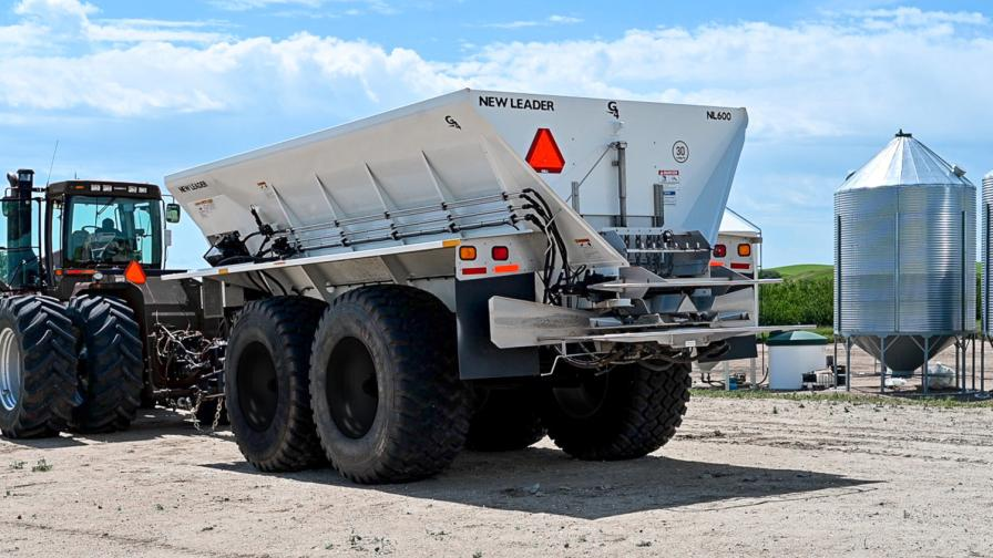 The 3-in-1 NL600 spreader is built for durability and versatility.